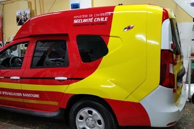 Adhésif 3D + découpe sur ambulance